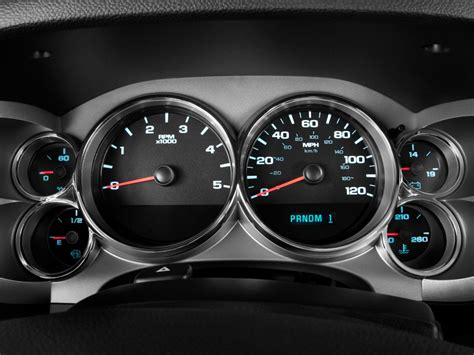 buy car manuals 2009 chevrolet traverse instrument cluster image 2011 chevrolet silverado 2500hd 2wd ext cab 158 2 quot lt instrument cluster size 1024 x