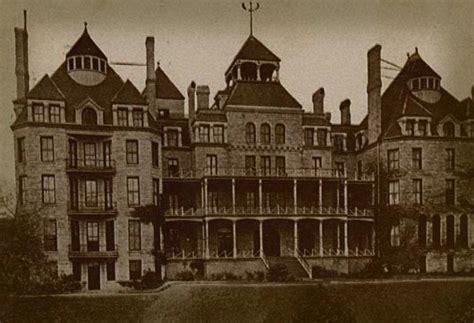 The Haunted Hotel haunted crescent hotel frightfind