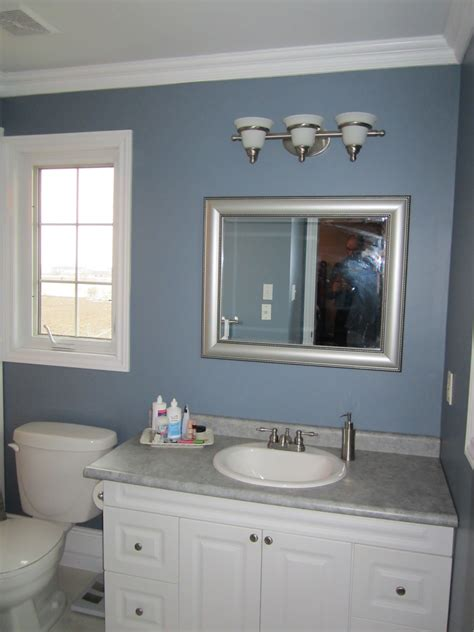 modern and blue bathroom ideas that has white modern