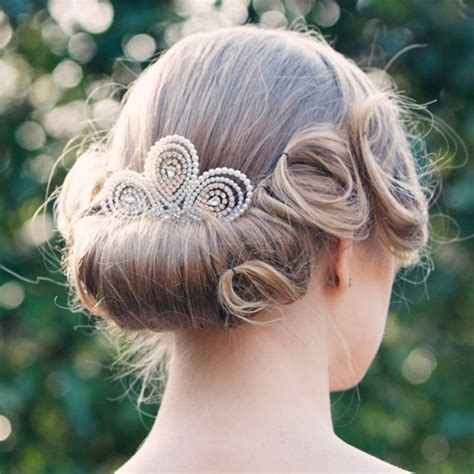 Wedding Hair Accessories Galway by 33 Hair Accessories For Brides Weddingsonline