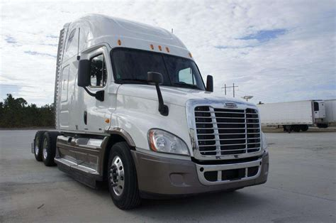 Freightliner Truck With Sleeper 2012 freightliner cascadia sleeper semi truck for sale