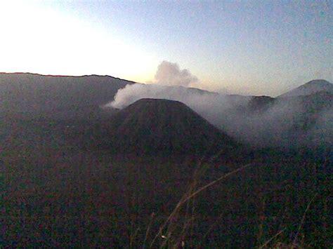 Rakyat Jawa Timur Jawa Gunung Bromo wisata alam gunung bromo nasionalis rakyat merdeka