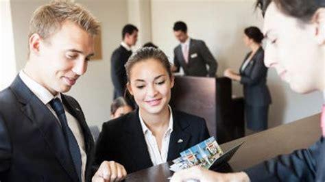 cadenas hoteleras andaluzas las diez profesiones con m 225 s salidas laborales en andaluc 237 a