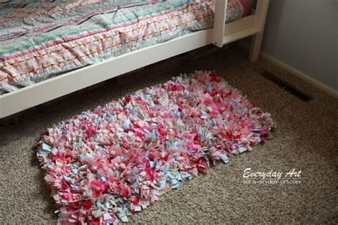 How To Make Handmade Rag Rugs - 24 simple and easy diy fabric crafts