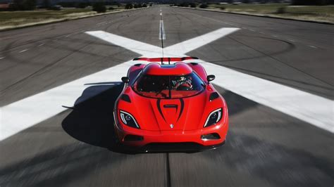Which Is Faster Bugatti Or Koenigsegg Faster Than A Bugatti Veyron Koenigsegg Agera R