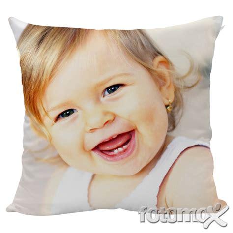 cuscino personalizzato con foto cuscini personalizzati con foto fotomox