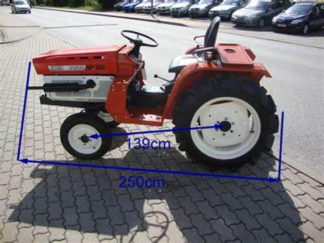Traktor Neu Lackieren Kosten by Kleintraktor Traktor Kubota B1600 Ohne Allrad Neu Lackiert