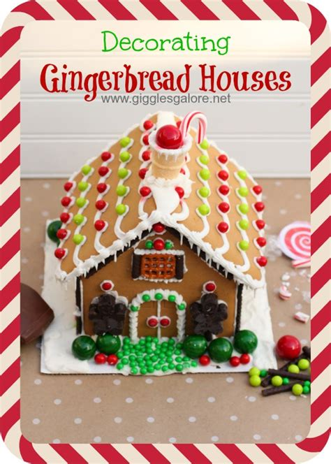 decorating gingerbread houses