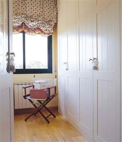 aligera el frente de los armarios  pintura  laca de color blanco frentes de armario mi casa