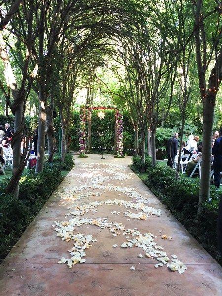 real wedding teresa  mahyars fairytale outdoor