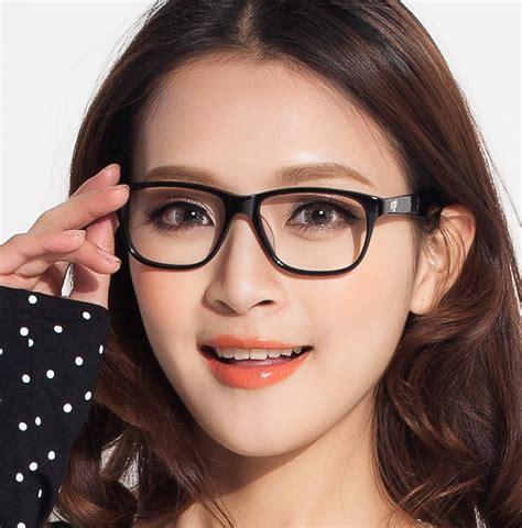 Frame Kacamata Minus Tom Ford Square Big Pria Wanita alasan wanita berkacamata lebih menggoda spesialis cinta
