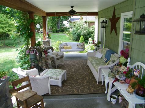 Front Porch Garden Ideas Top 25 Front Porch Decorating Ideas 2016