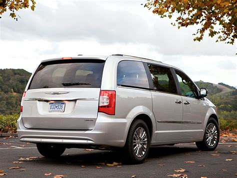 chrysler minivan 2016 chrysler town and country price photos reviews