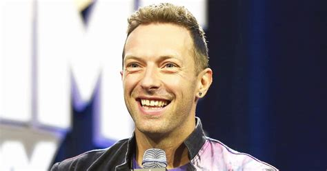 biography chris martin coldplay chris martin s daughter apple gave him the cutest super