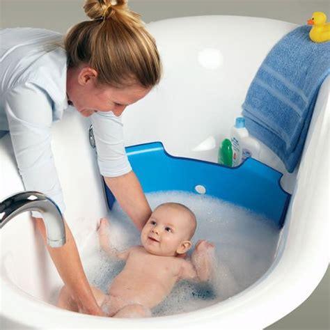 laver baignoire baignoire b 233 b 233 pour une innovation r 233 volutionnaire