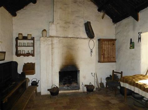 American Farmhouse Style interior weavers cottage ulster 169 kenneth allen cc by