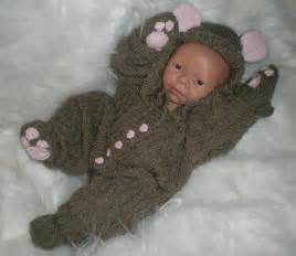 Crocheting Baby Clothes » Home Decoration