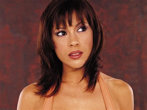 phoebe halliwell hairstyles hi im beth top 3 fave phoebe from charmed hairstyles