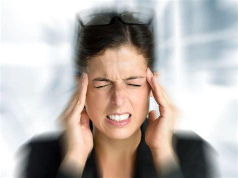 mal di testa e ansia cefalea di tipo tensivo cause sintomi cure prevenzione