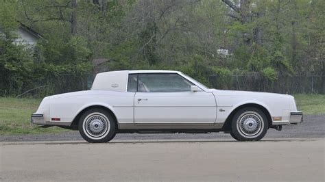manual repair free 1985 buick riviera on board diagnostic system service manual how to add freon to 1985 buick riviera 1985 buick riviera accumulator removal