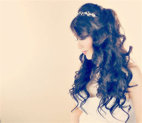 Quinceanera Hairstyles With Curls And Tiara by Quinceanera Hairstyles With Curls And Tiara 2014 Www