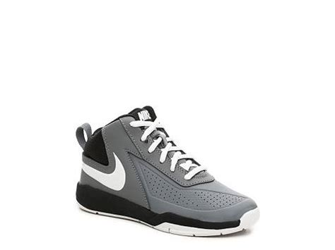 youth team basketball shoes nike team hustle d7 boys toddler youth basketball shoe dsw