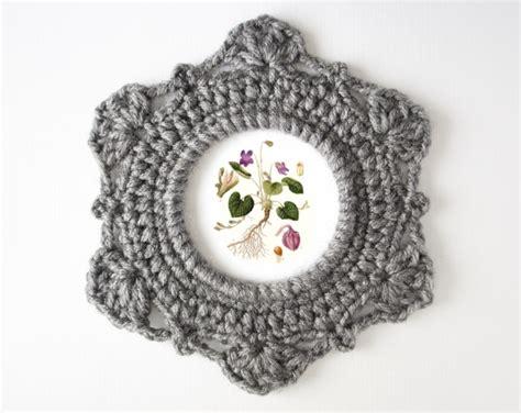 crochet pattern picture frame crochet pattern round ornate picture frame jakigu