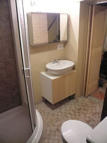 Low Cost Bathroom Remodel Ideas Low Cost Bathroom Design Ideas