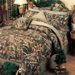 Very cool camo style comforter set for teen boys