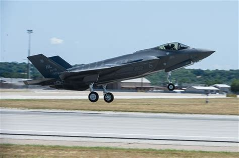 air force weight air force sets weight restrictions for f 35 pilots gt u s