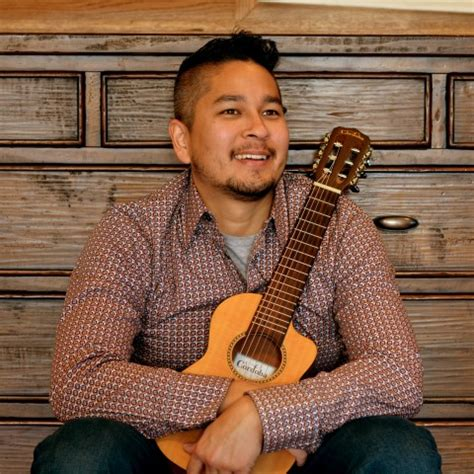 hire cary kanno acoustic guitarist singer  man band  chicago illinois