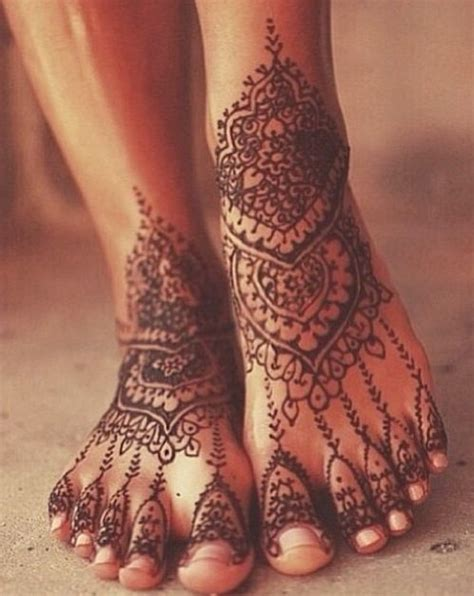 23 wonderful henna tattoos on foot
