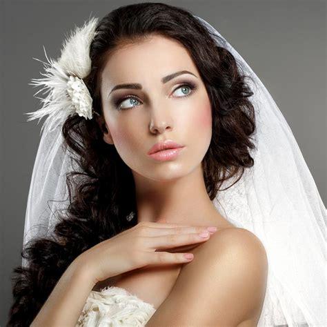 Brautfrisur Locken Schleier by Dunkle Locken Mit Schleier Hochzeitsfrisuren