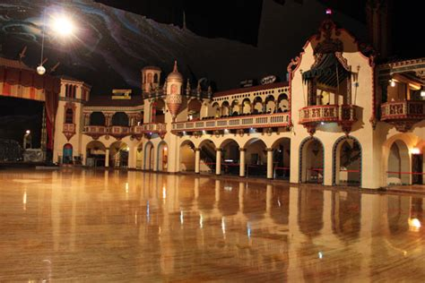 Large Murals For Walls the vintage bazaar at the aragon ballroom chicago il