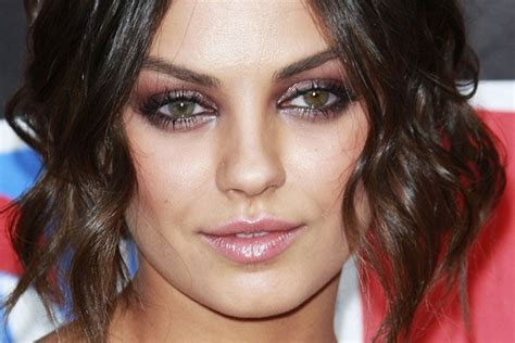 two different colored meaning mila kunis has heterochromia meaning are