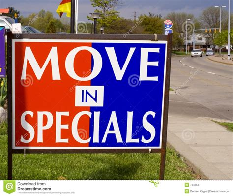 Apartment Rent Specials Move In Specials Sign Royalty Free Stock Photography