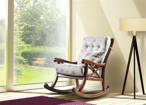 sedie a dondolo country poltrona a dondolo imbottita in legno stile country