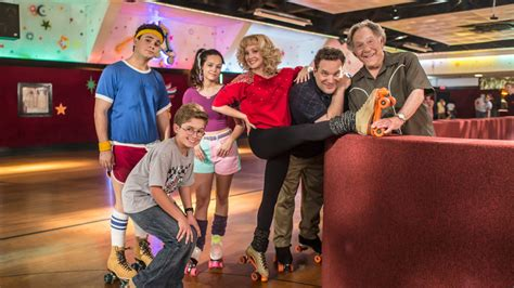 goldbergs tv show cast the goldbergs locked in for wednesday nights on seven