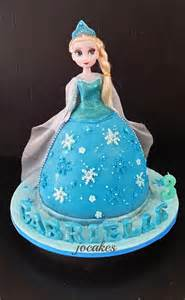 disney frozen theme cupcakes and princess elsa dollcake for gabrielle s birthday jocakes