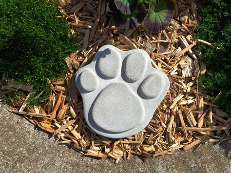 Pet Memorial Garden Stones by Concrete Paw Print Pet Memorial Garden Stepping