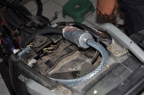Selang Oli Mesin pasang obs buat turunkan suhu mesin gilamotor