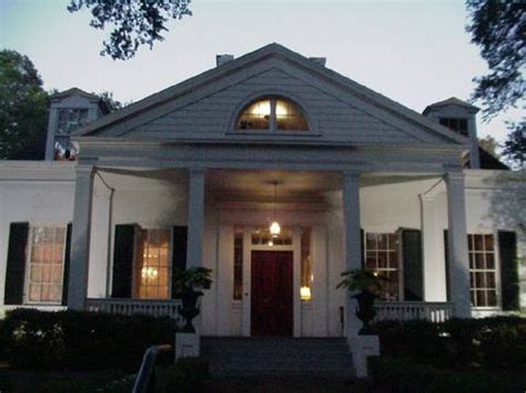 Guide To 45 Historic Natchez Ms Bed And Breakfast Properties Oaks Bed And Breakfast Natchez Ms