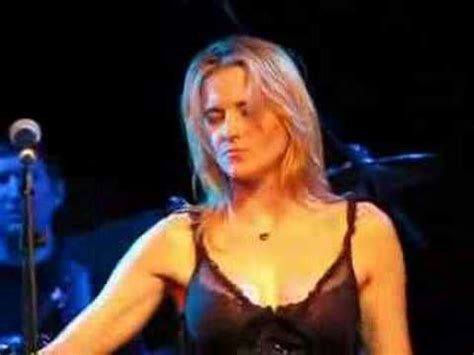 lucy lawless total eclipse of the heart lucy lawless london total eclipse of the heart youtube