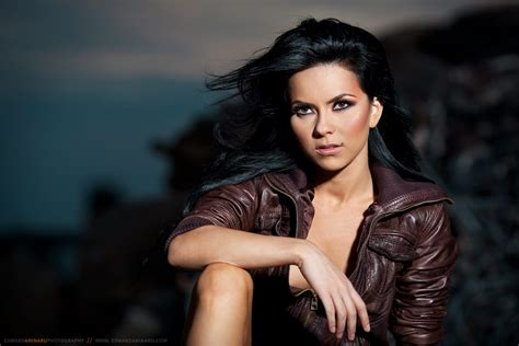 Inna Husband | inna hot new peak at 6 on uk singles chart and tops the