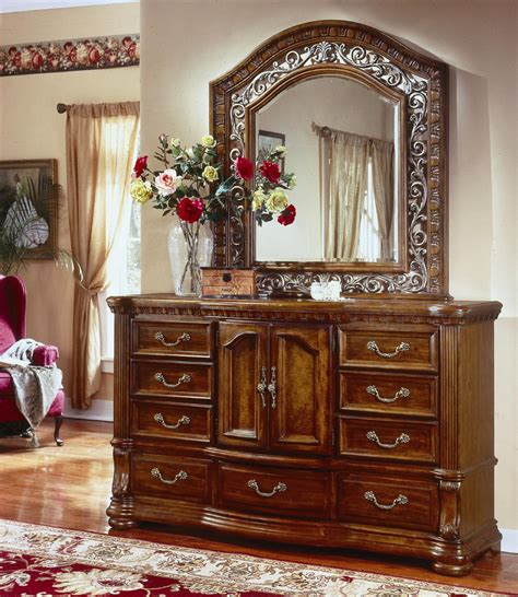 cordoba bedroom set flexsteel wynwood collection cordoba landscape mirror and