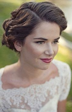 Wedding Hairstyles For Vintage Dresses by 1000 Images About Classic Brides On