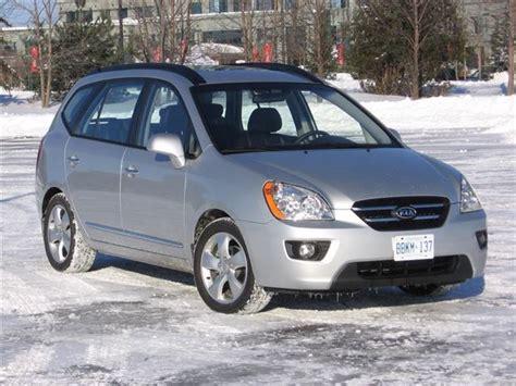 used vehicle review kia rondo 2007 2011 autos ca