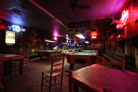 a pool table guide for your bar