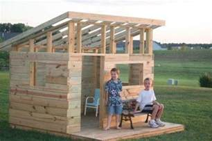 diy kid s fort from recycled pallets pallet ideas