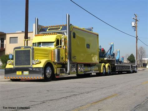 Large Sleeper Trucks For Sale by 488 Best Images About Custom Sleepers On Peterbilt 389 Semi Trucks And Peterbilt 379